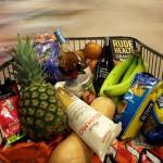19mai2015---carrinho-com-compras-e-empurrado-por-supermercado-de-londres-na-inglaterra-1432301161625_615x300